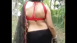 Bare back Hunter Lady is on the floor, wanna suck all your cock full inside her