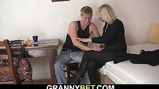 Old mature blonde sucks and rides neighbour'_s cock