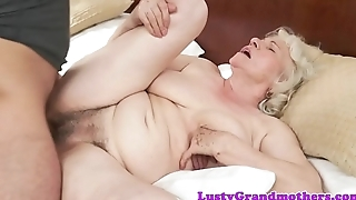 Saggy granny gets hairy pussy drilled deeply