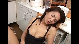 japanese milf masturbating