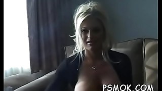 Petite beautie sucks a big one-eyed monster like a professional