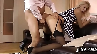 Lustful floozy makes her holes wide open for hardcore fucking