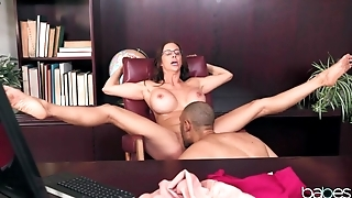 Bald clerk stretches busty colleague in the office