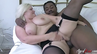 Black dude drills wet cunt of a mature white whore