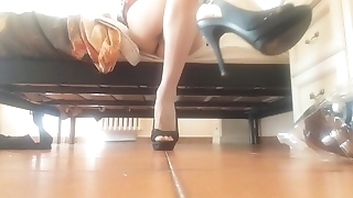 the Italian mother wants to show you her wonderful little feet